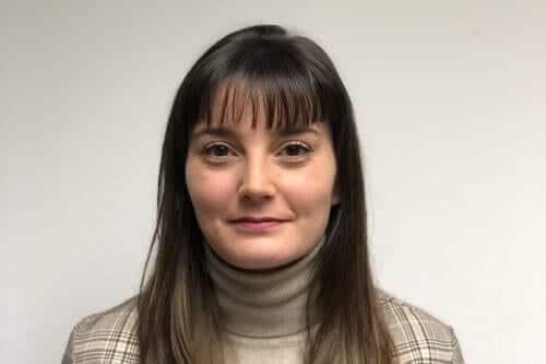 Mónica Arroyo auditora senior - AOB Auditores