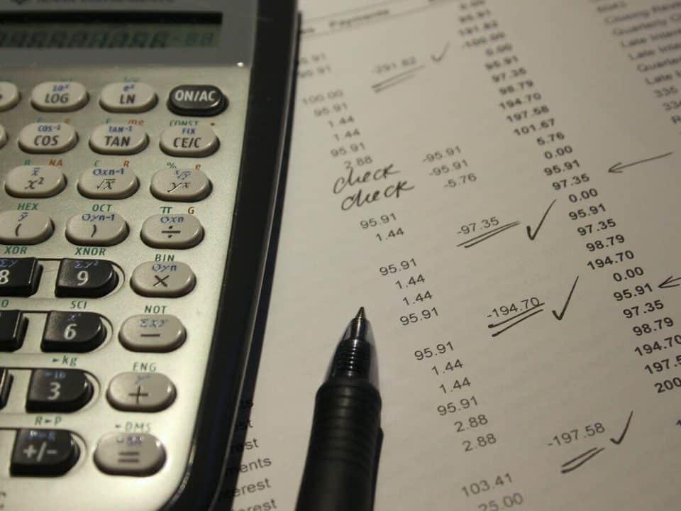Cual-es-la-diferencia-entre-auditoria-publica-y-privada-960x720 NIA 710 – Relación con la información comparativa